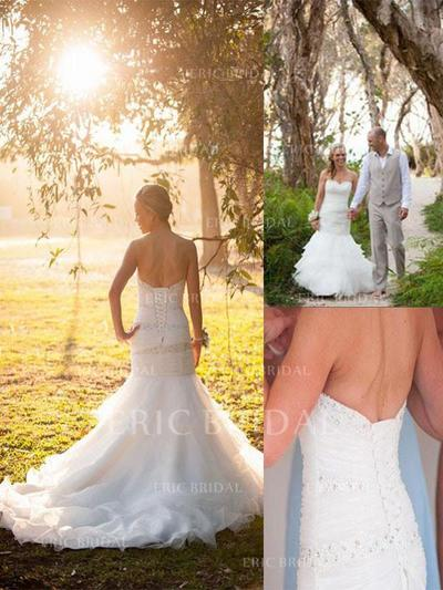 Trumpet/Mermaid Sweetheart Court Train Wedding Dresses With Beading (002210907)