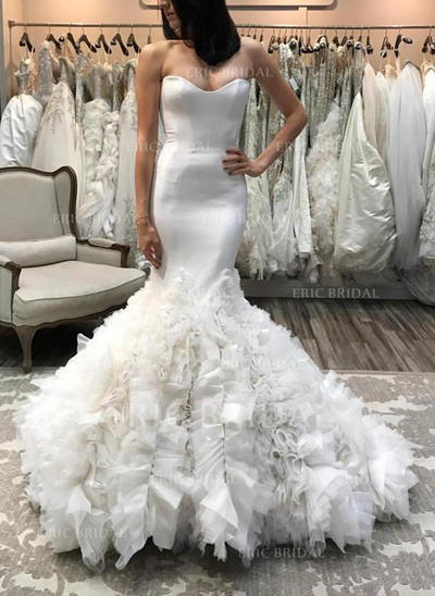 Trumpet/Mermaid Sweetheart Court Train Wedding Dresses With Ruffle (002146945)