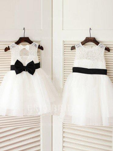 A-Line/Princess Scoop Neck Knee-length With Sash/Bow(s) Tulle/Lace Flower Girl Dresses (010211796)