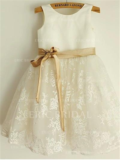 A-Line/Princess Scoop Neck Knee-length With Sash/Bow(s) Satin/Lace Flower Girl Dresses (010211874)