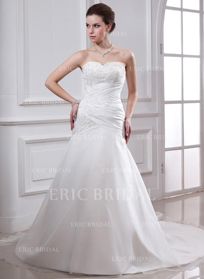 A-Line/Princess Sweetheart Chapel Train Wedding Dresses With Ruffle Lace Beading (002000151)