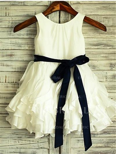 A-Line/Princess Scoop Neck Knee-length With Sash Chiffon Flower Girl Dresses (010211931)
