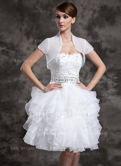 A-Line/Princess Sweetheart Knee-Length Wedding Dresses With Beading Sequins Cascading Ruffles (002024083)