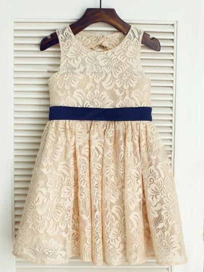 A-Line/Princess Scoop Neck Knee-length With Sash/Bow(s) Lace Flower Girl Dresses (010211841)