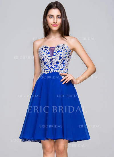 A-Line/Princess Sweetheart Knee-Length Homecoming Dresses With Appliques Lace (022068064)