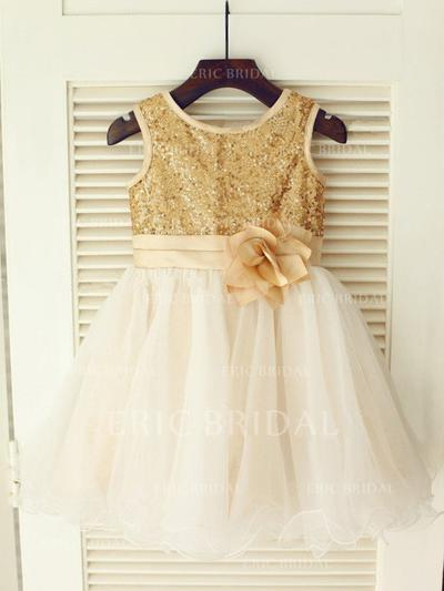A-Line/Princess Scoop Neck Knee-length With Flower(s) Tulle/Sequined Flower Girl Dresses (010211814)