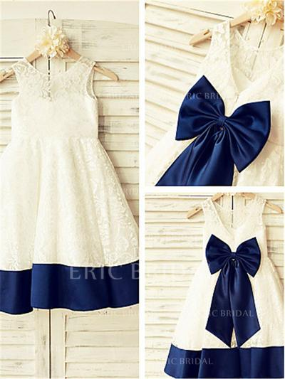 A-Line/Princess Scoop Neck Knee-length With Bow(s) Lace Flower Girl Dresses (010211873)