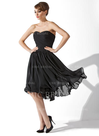 A-Line/Princess Sweetheart Knee-Length Cocktail Dresses With Ruffle (016139291)