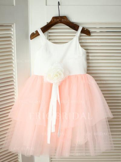 A-Line/Princess Scoop Neck Knee-length With Flower(s) Satin/Tulle Flower Girl Dresses (010211836)