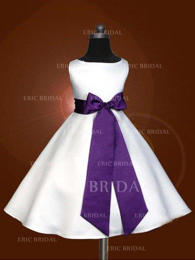 A-Line/Princess Scoop Neck Tea-length With Sash/Bow(s) Satin Flower Girl Dresses (010211858)