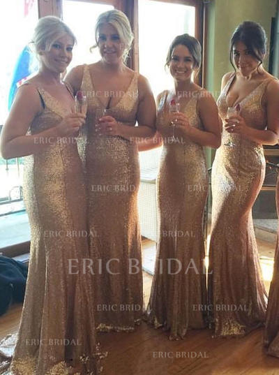 Trumpet/Mermaid Sequined Bridesmaid Dresses V-neck Sleeveless Sweep Train (007145135)