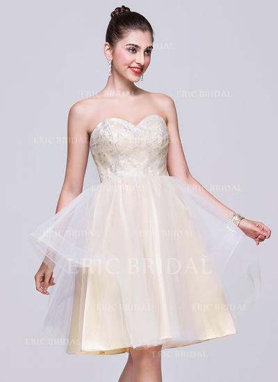 A-Line/Princess Sweetheart Knee-Length Homecoming Dresses With Lace (022068050)