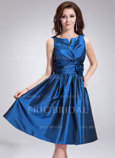 A-Line/Princess Taffeta Bridesmaid Dresses Ruffle Flower(s) V-neck Sleeveless Knee-Length (007198553)