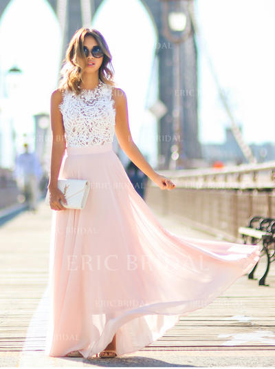 A-Line/Princess Scoop Neck Floor-Length Prom Dresses With Lace (018145966)