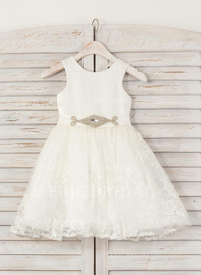 A-Line/Princess Scoop Neck Knee-length With Rhinestone Satin/Lace Flower Girl Dresses (010211614)