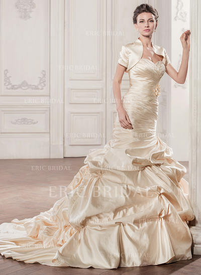 Trumpet/Mermaid Sweetheart Chapel Train Wedding Dresses With Ruffle Beading Appliques Lace Flower(s) Sequins (002210583)