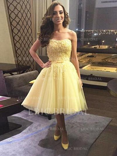A-Line/Princess Strapless Knee-Length Tulle Cocktail Dresses With Bow(s) (016145310)