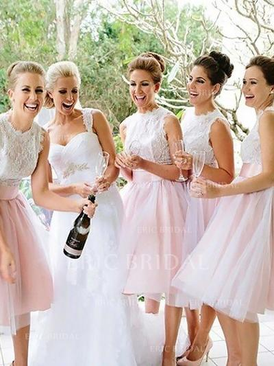 A-Line/Princess Tulle Bridesmaid Dresses Appliques Lace Scoop Neck Sleeveless Knee-Length (007211695)