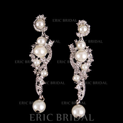 Earrings Alloy/Rhinestones Pierced Ladies' Beautiful Wedding & Party Jewelry (011167278)