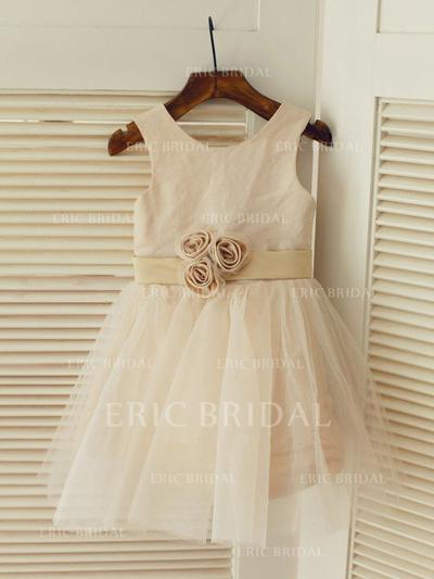 A-Line/Princess Scoop Neck Knee-length With Flower(s) Satin/Tulle Flower Girl Dresses (010212013)