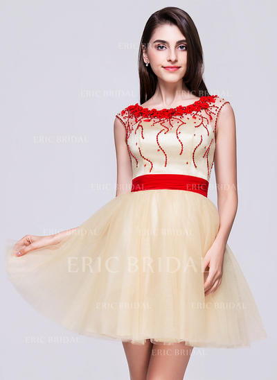 A-Line/Princess Scoop Neck Short/Mini Tulle Homecoming Dress With Beading Flower(s) Sequins (022068070)