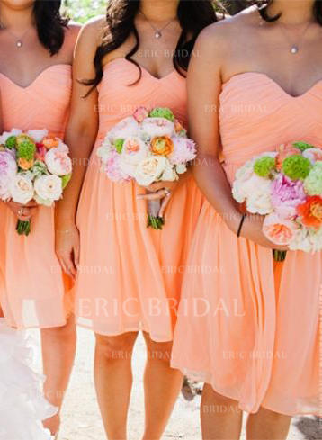 A-Line/Princess Sweetheart Knee-Length Bridesmaid Dresses With Ruffle (007145035)