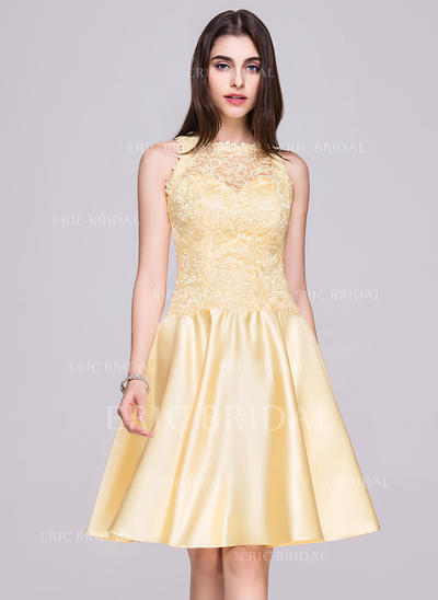 A-Line/Princess Scoop Neck Knee-Length Satin Lace Homecoming Dresses With Bow(s) (022214049)