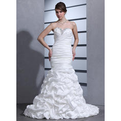 Trumpet/Mermaid Sweetheart Court Train Wedding Dresses With Ruffle Beading (002000670)
