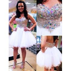 A-Line/Princess Sweetheart Knee-Length Homecoming Dresses With Beading