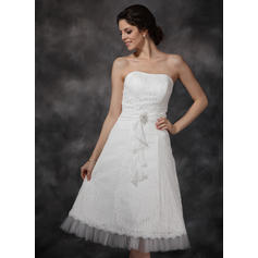 A-Line/Princess Sweetheart Knee-Length Wedding Dresses With Ruffle Crystal Brooch Cascading Ruffles (002210456)