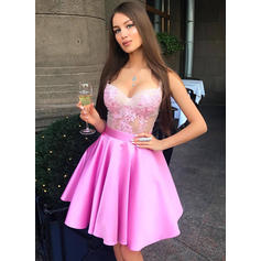 A-Line/Princess Sweetheart Short/Mini Homecoming Dresses With Appliques Lace (022212458)