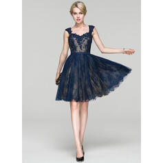 A-Line Sweetheart Knee-Length Lace Cocktail Dress With Beading Sequins