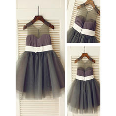 A-Line/Princess Scoop Neck Knee-length With Sash Tulle Flower Girl Dresses (010211962)
