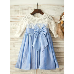 Glamorous Scoop Neck A-Line/Princess Flower Girl Dresses Knee-length Taffeta/Lace 1/2 Sleeves