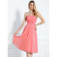 A-Line/Princess Chiffon Bridesmaid Dresses Ruffle Beading Strapless Sleeveless Knee-Length