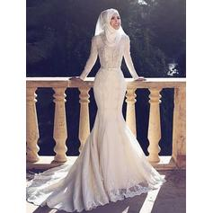 Trumpet/Mermaid Scoop Sweep Train Wedding Dresses With Lace