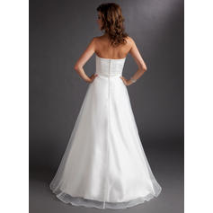 beautiful wedding dresses for curvy brides