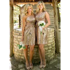 A-Line/Princess Sequined Bridesmaid Dresses One-Shoulder V-neck Sleeveless Knee-Length (007144981)