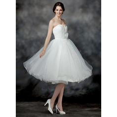 A-Line/Princess Sweetheart Knee-Length Wedding Dresses With Ruffle Flower(s) Sequins