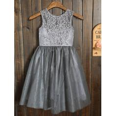 A-Line/Princess Scoop Neck Knee-length With Sash/Pleated Tulle/Lace Flower Girl Dresses