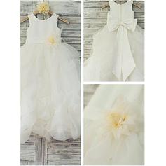 Ball Gown Scoop Neck Floor-length With Flower(s)/Bow(s) Satin/Tulle Flower Girl Dresses