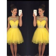 A-Line/Princess Scoop Neck Knee-Length Tulle Cocktail Dresses With Beading Sequins