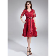 A-Line/Princess Lace 1/2 Sleeves V-neck Knee-Length Zipper Up at Side Mother of the Bride Dresses (008211020)
