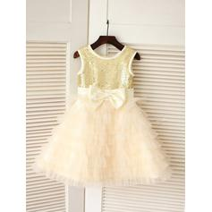 A-Line/Princess Scoop Neck Knee-length With Bow(s) Tulle/Sequined Flower Girl Dresses (010211932)