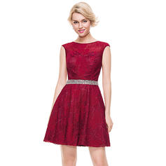 A-Line/Princess Scoop Neck Short/Mini Tulle Lace Homecoming Dresses With Beading Sequins