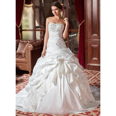 Ball-Gown Sweetheart Chapel Train Wedding Dresses With Ruffle Lace Beading (002004436)
