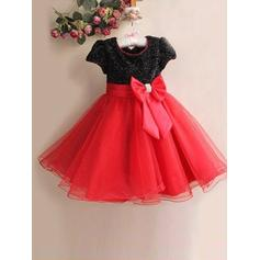 A-Line/Princess Scoop Neck Knee-length With Bow(s) Tulle/Sequined Flower Girl Dresses