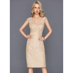 Sheath/Column V-neck Knee-Length Lace Cocktail Dress With Beading Sequins
