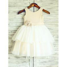 A-Line/Princess Scoop Neck Knee-length With Flower(s) Satin/Tulle Flower Girl Dresses (010212008)