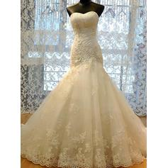 Trumpet/Mermaid Sweetheart Court Train Wedding Dresses With Ruffle Beading Appliques Lace